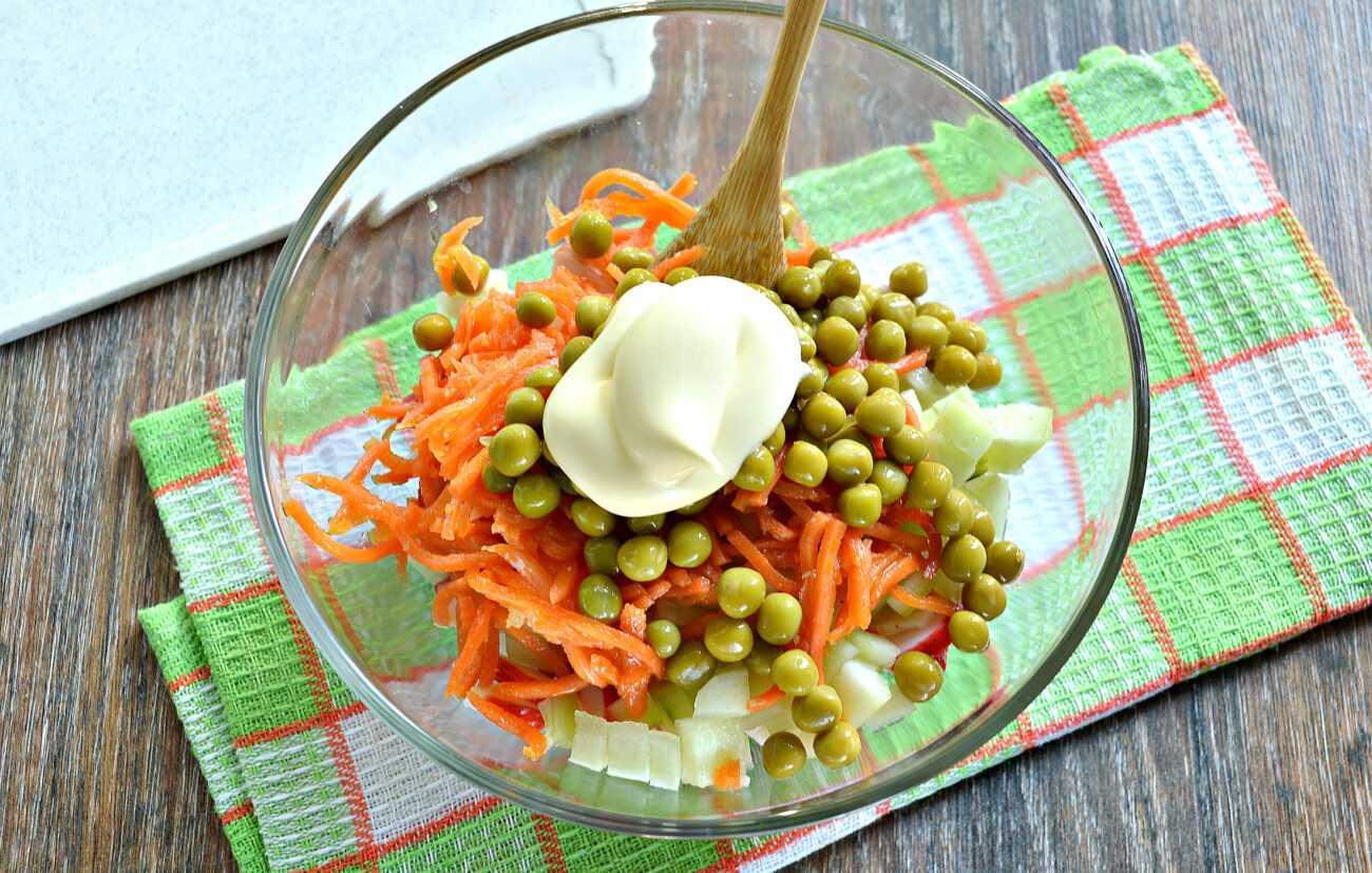 Крабовый салат с яйцами классический рецепт с фото пошагово - 1000.menu