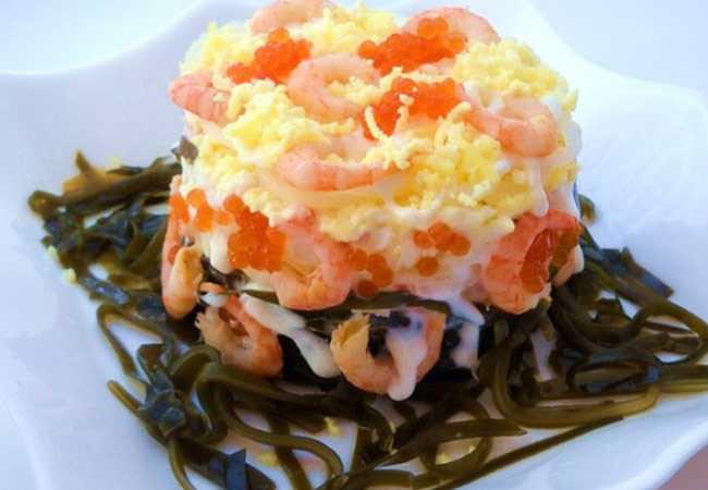 Салат морское чудо рецепт. салат «морское чудо» с кальмарами и креветками