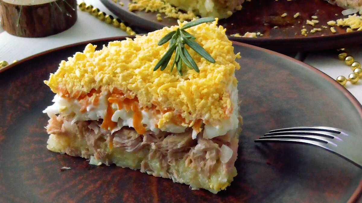 Салат мимоза с консервированной горбушей классический рецепт с фото пошагово и видео - 1000.menu