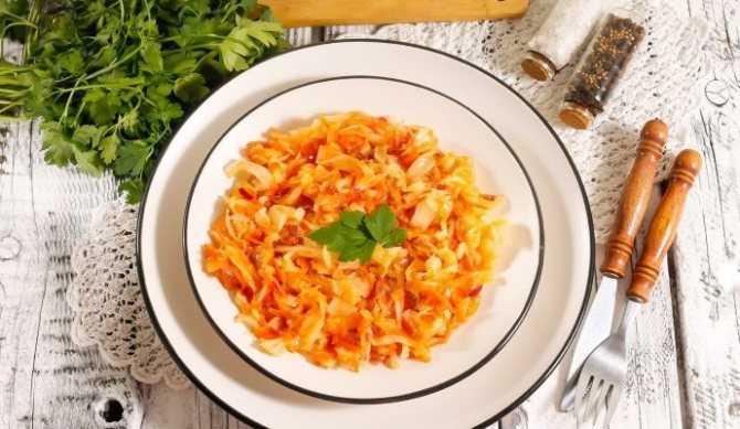 Салат с маринованной капустой — 10 рецептов быстрого приготовления