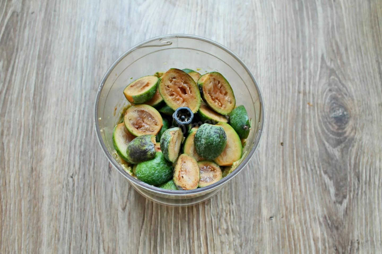 Фейхоа с медом и лимоном - 9 пошаговых фото в рецепте
