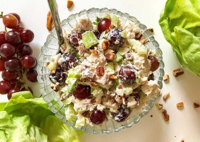 Салат с виноградом — 36 домашних вкусных рецептов приготовления