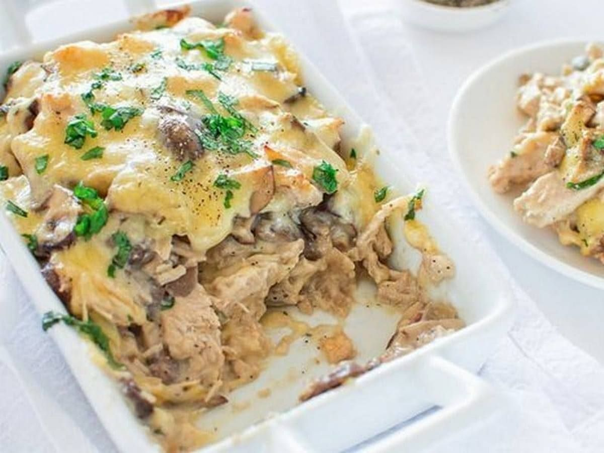 Жульен из курицы с грибами на сковороде: рецепты со сливками и со сметаной