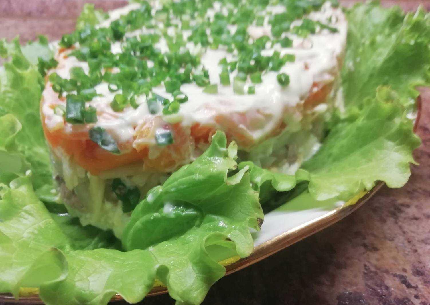 Салат с печенью трески и яйцом: рецепты