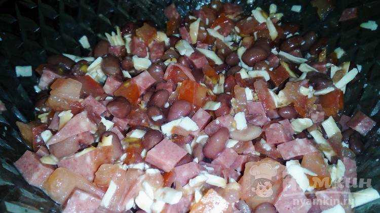 Салат восточный классический с колбасой рецепт с фото пошагово и видео - 1000.menu
