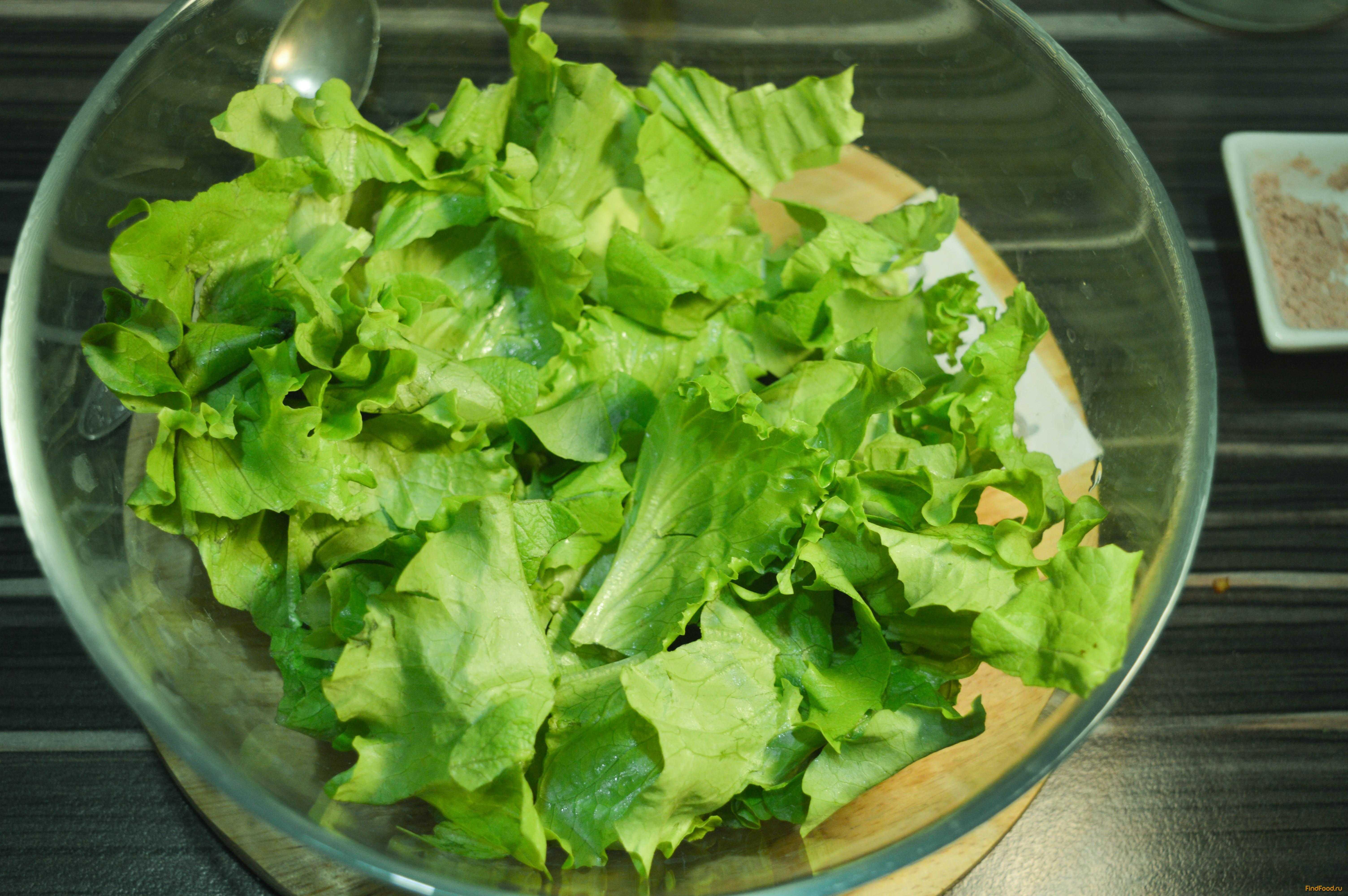 Оцените все тонкости приготовления рецепта Салат с крекерами Рыбки-  похожие салаты, состав, комментарии, пошаговые фото, порядок приготовления, советы