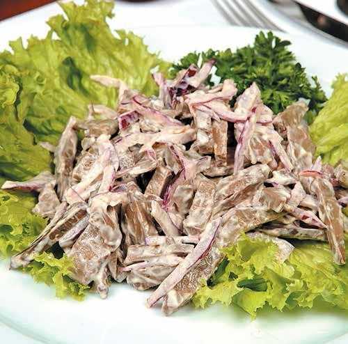 Салат с языком, фасолью и огурцом пошаговый рецепт