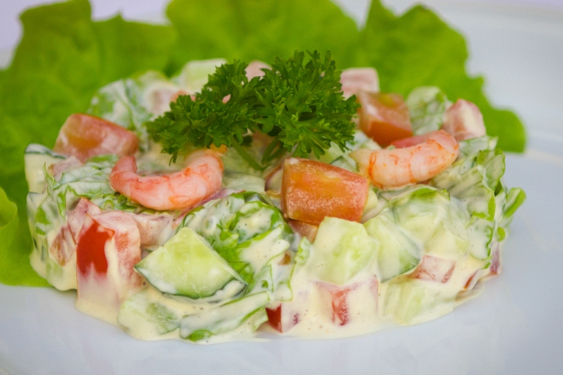 Салат с семгой и креветками » рецепты - готовим дома   «наобед.kz»