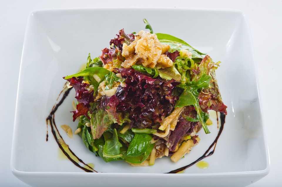 """Салат """"вальдорф"""": ингредиенты, рецепт с фото, особенности приготовления"""