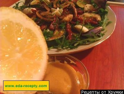 Салат с вялеными помидорами – 4 простых рецепта