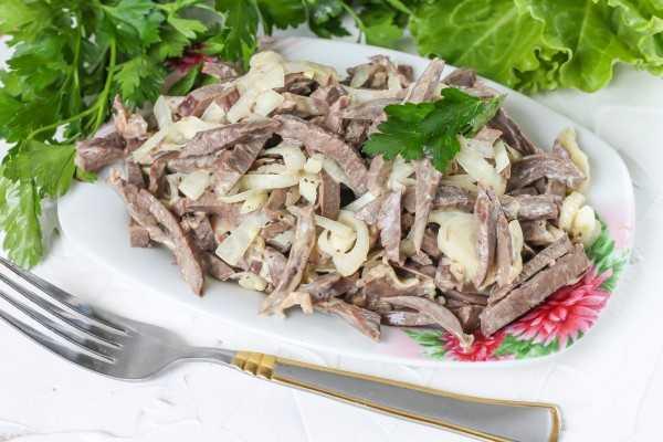 Салат сердцеедка с куриными сердечками рецепт с фото пошагово - 1000.menu