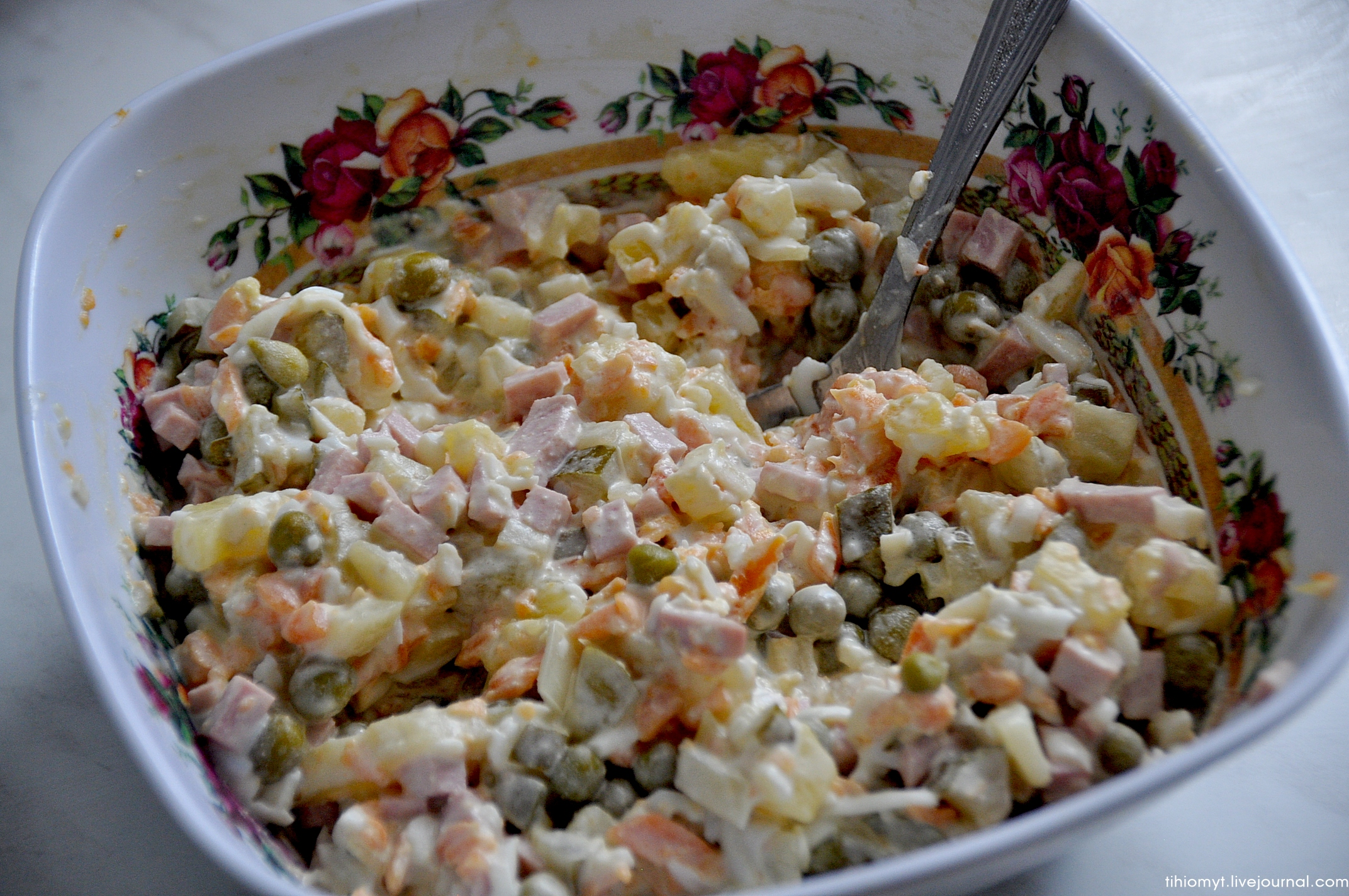 Классический зимний салат - рецепты с мясом, колбасой, свежими и солеными огурцами