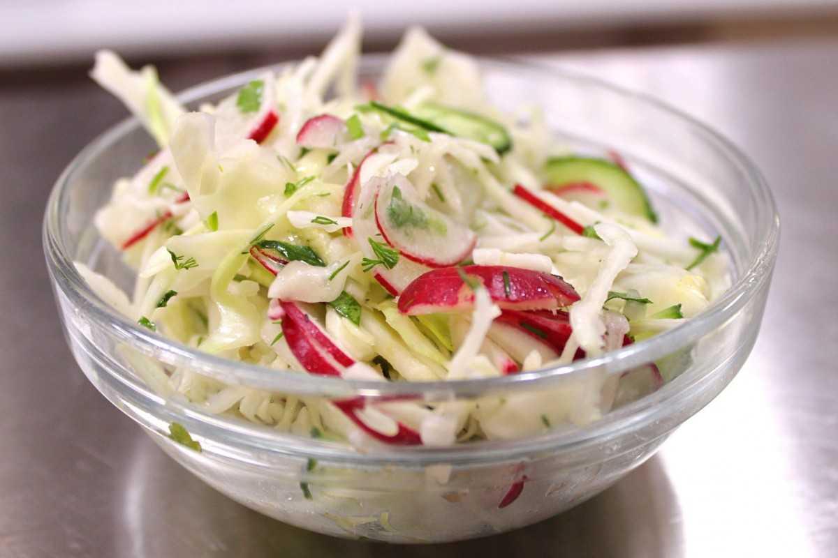 Салат из кольраби - 114 рецептов: овощные салаты   foodini