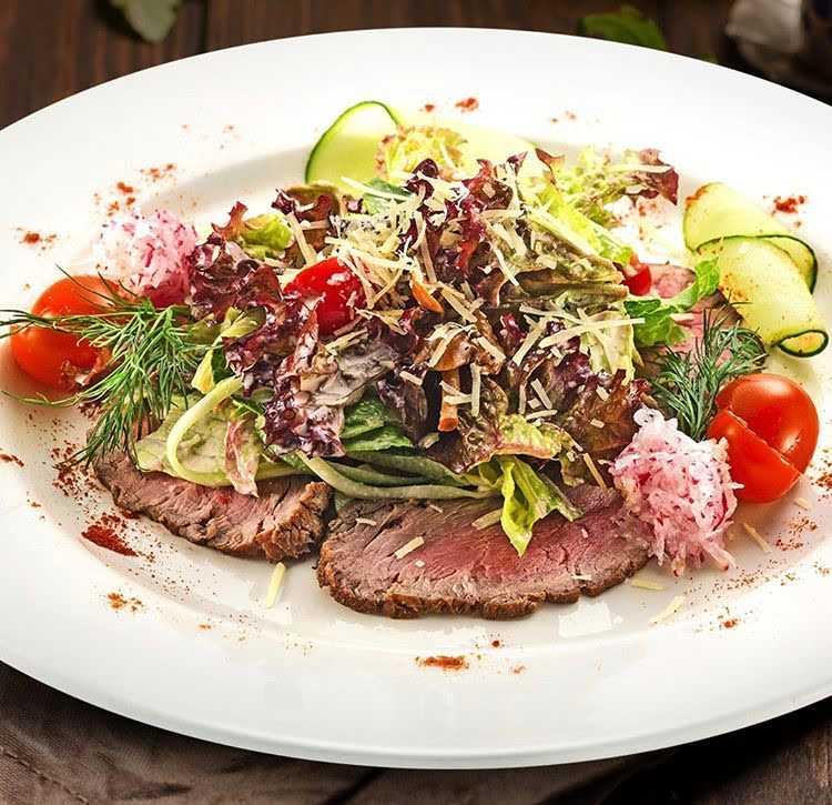 Теплый итальянский салат с вялеными помидорами рецепт с фото пошагово - 1000.menu
