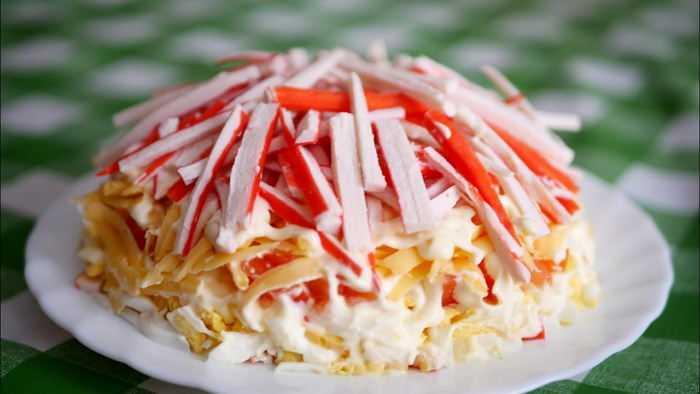 Как приготовить салат «Снежная королева». Рецепты на любой вкус: с курицей, нежирным мясом, грибами и ветчиной. Секреты приготовления от опытных кулинаров.