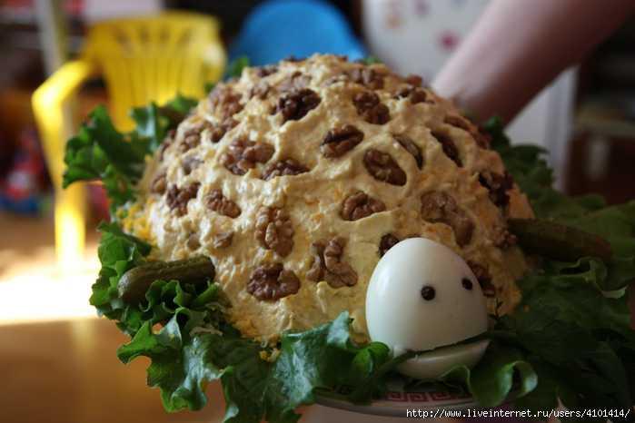 Салат черепашка с курицей и грецкими орехами - красивые варианты: рецепт с фото и видео