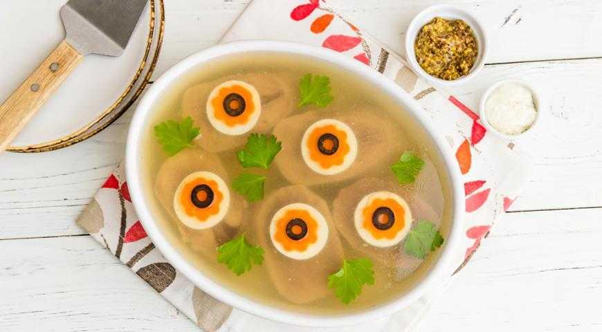 Заливное из свиного языка: 11 лучших проверенных вариантов приготовления с фото и видео. Несколько идей, чтобы украсить праздничное блюдо. Как правильно сварить свиной язык.