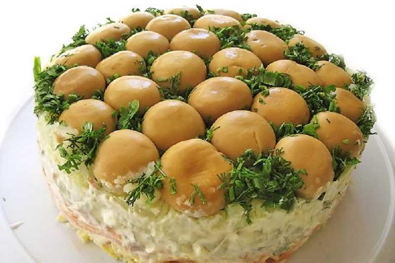 """Салат """"грибная поляна"""" - 8 классических рецептов слоеного салата"""