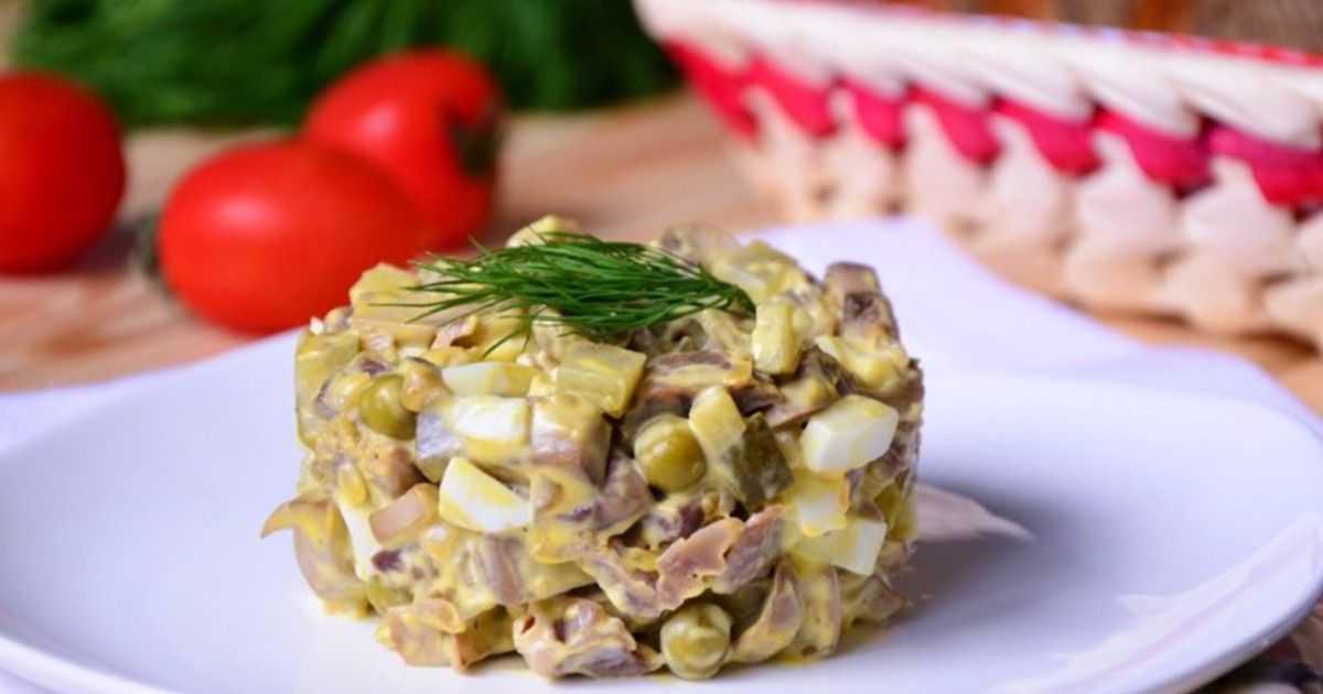 Салат с жареными шампиньонами — 9 самых простых и вкусных рецептов