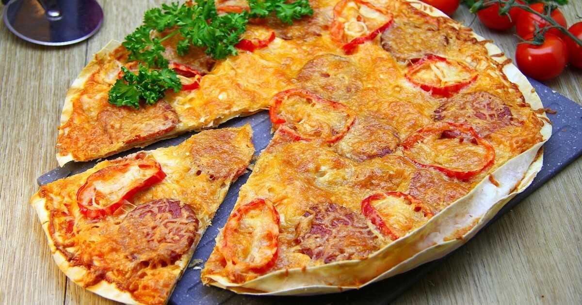 Пицца с маринованными опятами. рецепт: пицца на слоеном тесте - микс из колбас, с огурцами, опятами и маслинами