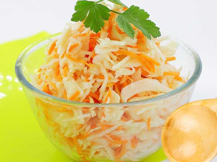 Как засолить капусту в бочке. Секреты соления в бочке, правила укладывания овощей.