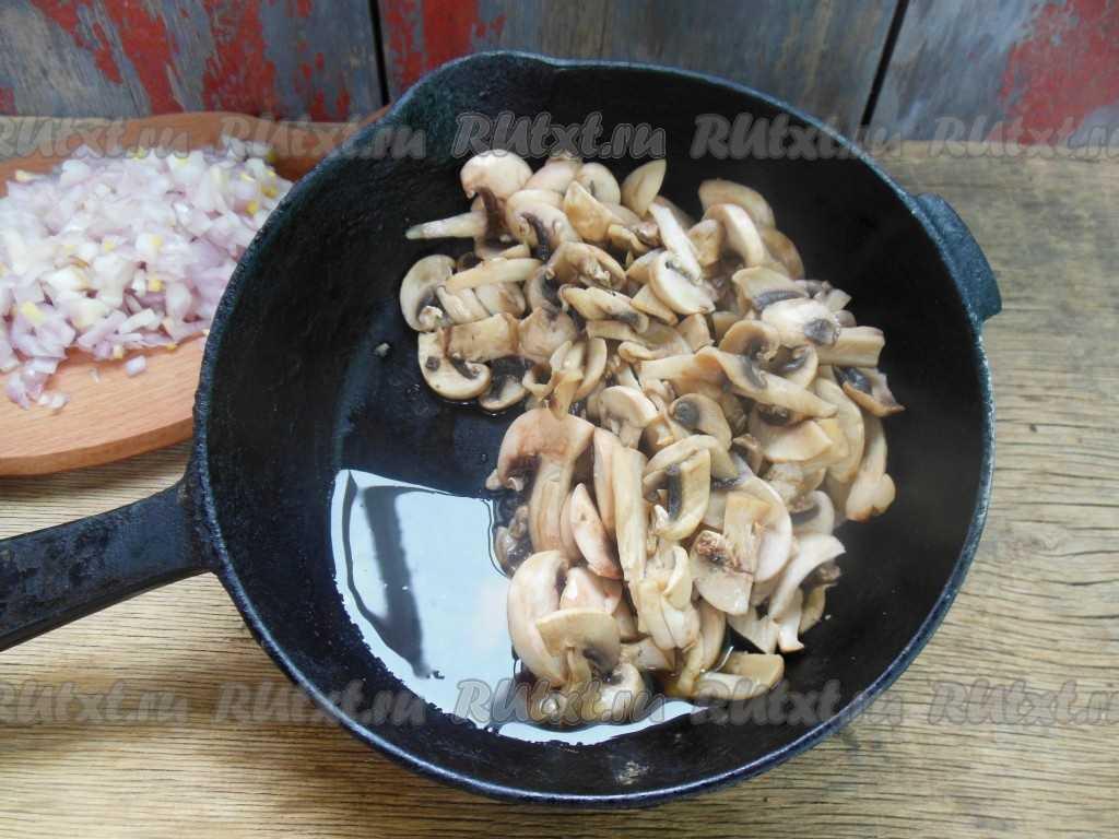 Куриное филе с грибами в сливочном соусе: 3 рецепта и принципы приготовления