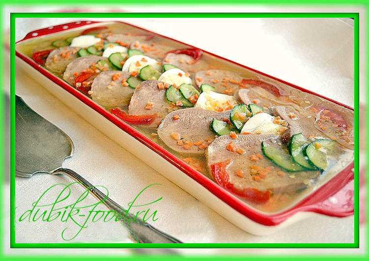 Очень вкусное заливное из свиного языка — пошаговые рецепты