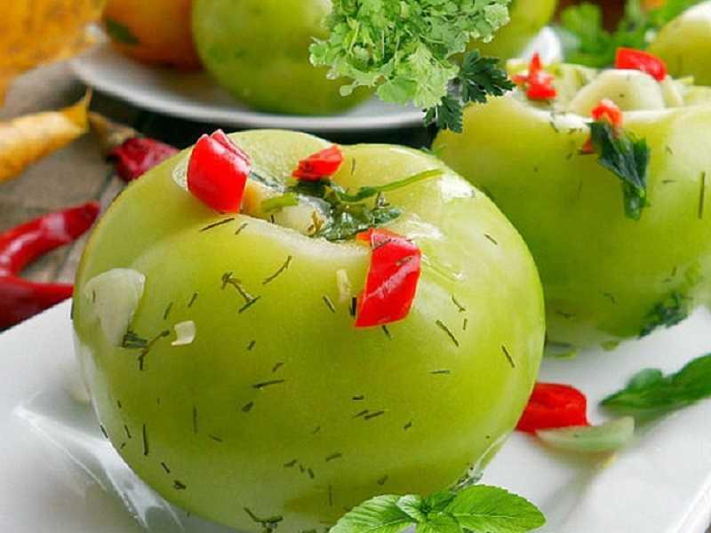 Популярные рецепты как засолить зеленые помидоры в кастрюле