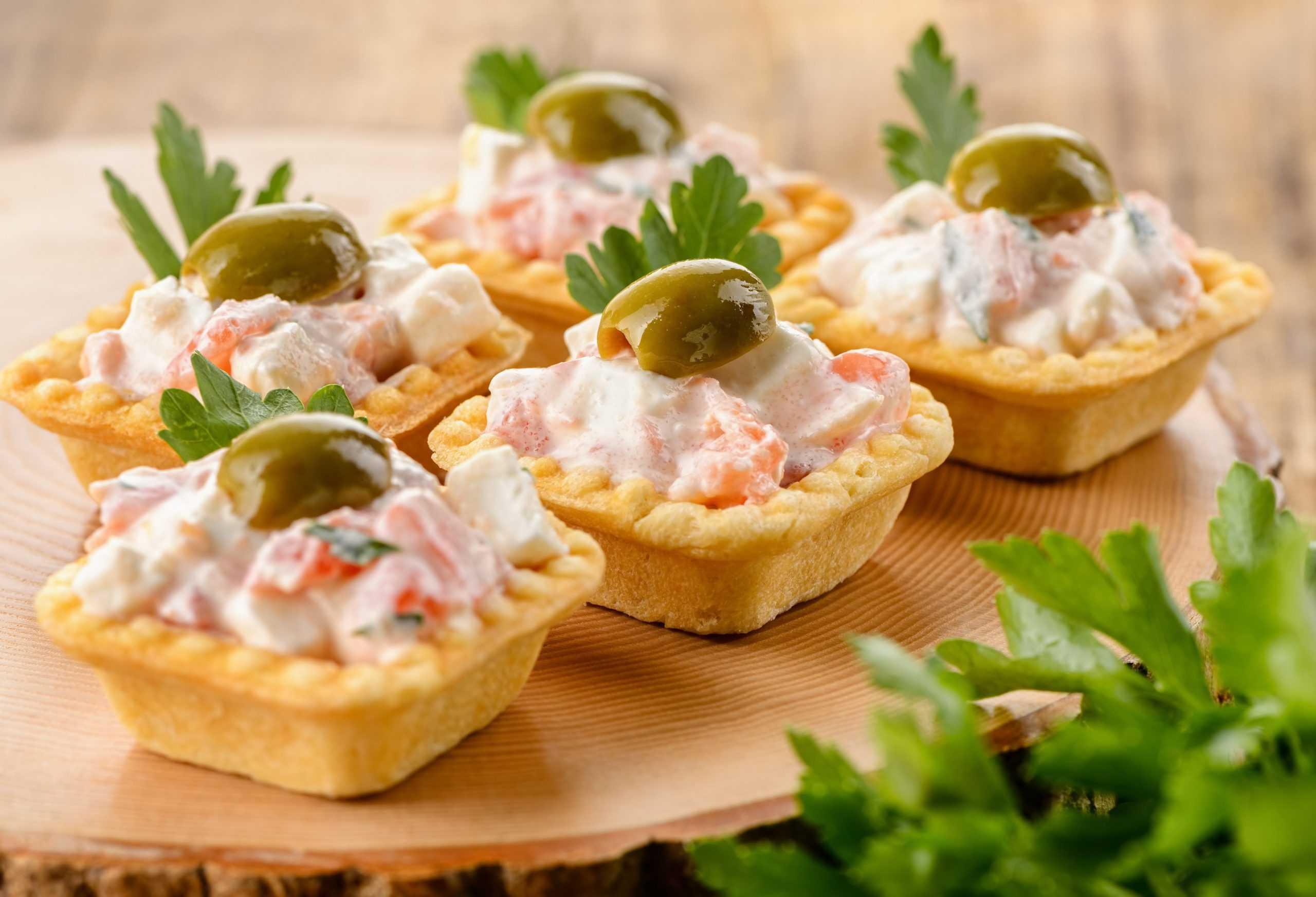Салат в тарталетках – быстро, красиво и очень вкусно! рецепт с фото и видео