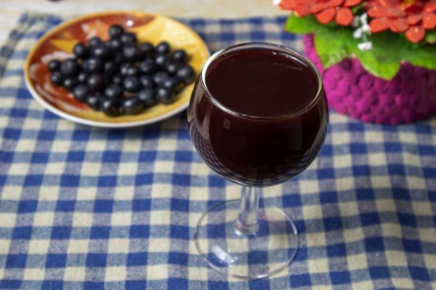 Вино из смородины: популярные рецепты с фото