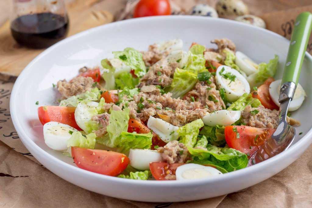 Салат с консервированным тунцом. 9 очень вкусных рецептов с фото - советдня