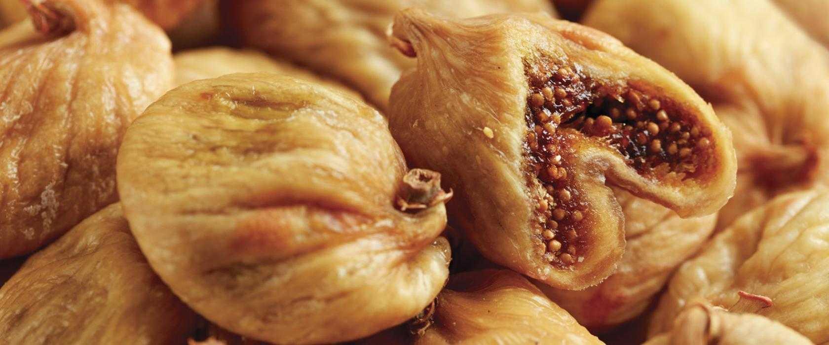 Инжир сушеный, полезные свойства и противопоказания. Правила выбора готового продукта, особенности сушки в домашних условиях. Рецепты использования инжира, правила хранения.