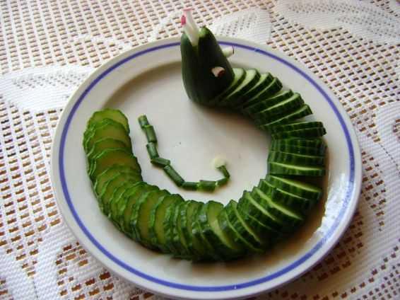 Для вас все подробности приготовления рецепта Салат Змея, порядок приготовления, похожие салаты, советы, состав, пошаговые фото, комментарии