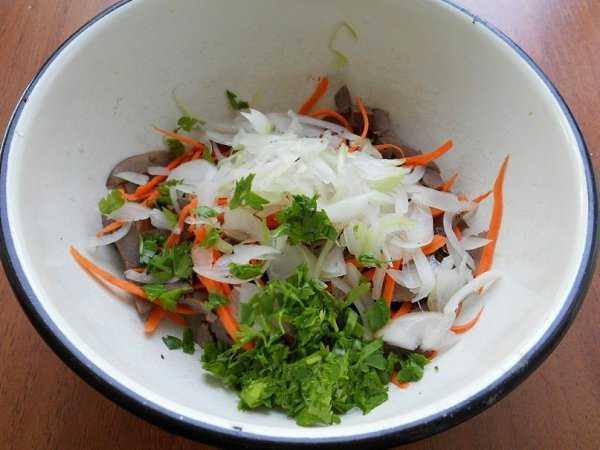 Салат с сердцем и солеными огурцами пошаговый рецепт