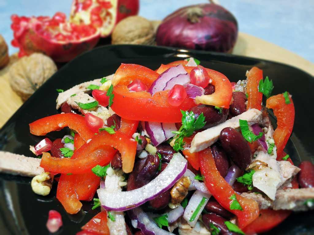 Грузинский салат: классический рецепт с фото