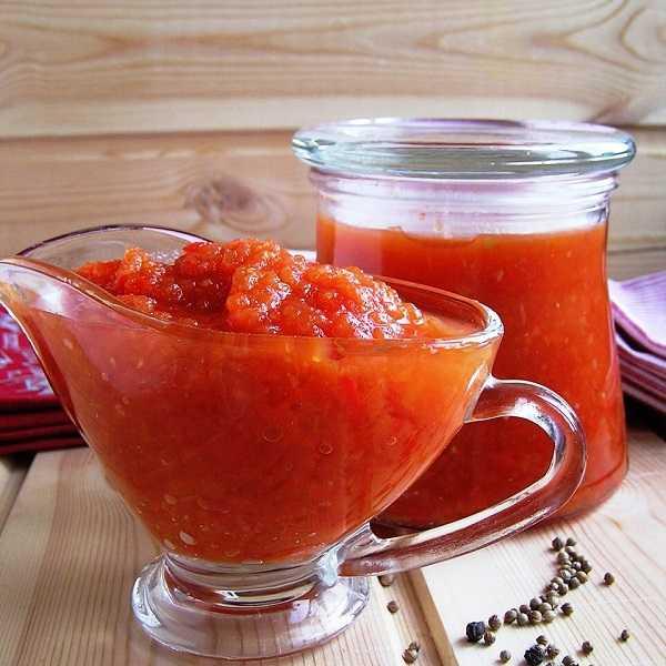 Соус из персиков, груш, и яблок с луком, помидорами, сладким перцем, сельдереем и кориандром «чатни фруктово-овощной»