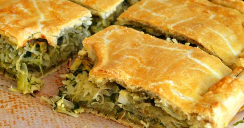Рецепт пирог с капустой и грибами из слоеного теста по шагам