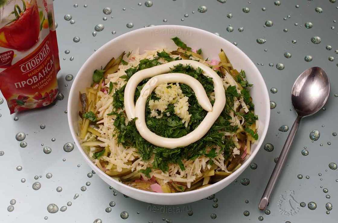 Салат с пекинской капустой и кукурузой – 10 простых и вкусных рецептов