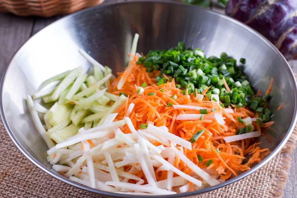 Салат из кольраби: самые лучшие рецепты на любой вкус