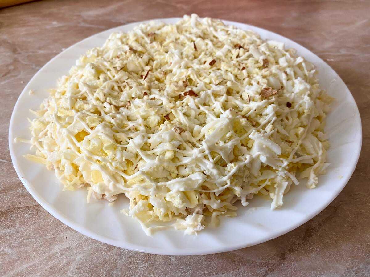 Салаты из курицы с ананасами и сыром 38 рецептов - 1000.menu