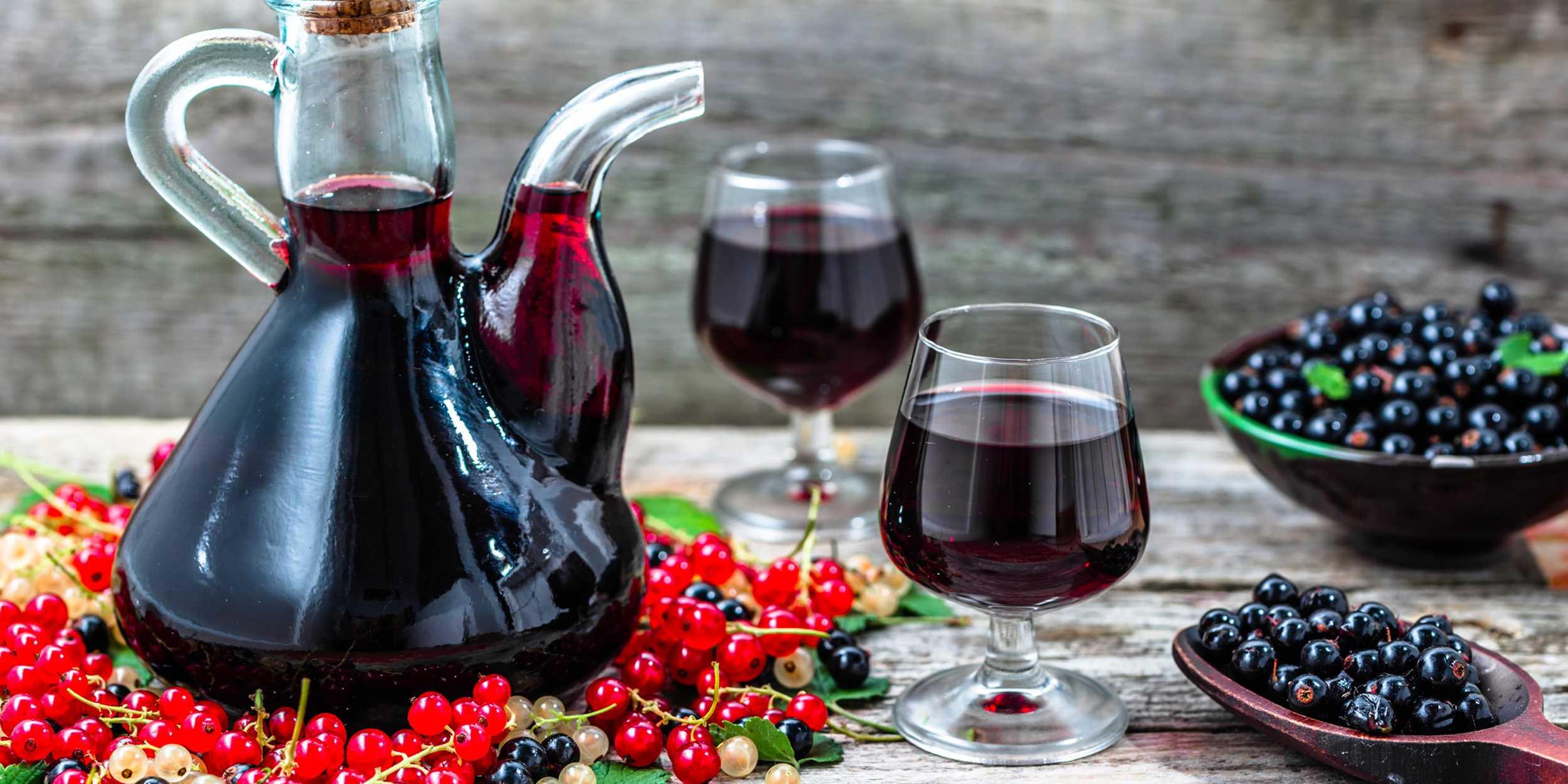 Из черной смородины вино