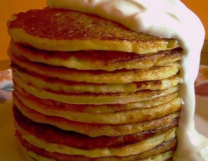 Оладьи из тыквы — самые вкусные рецепты на кефире, с яблоками, кабачками, без яиц
