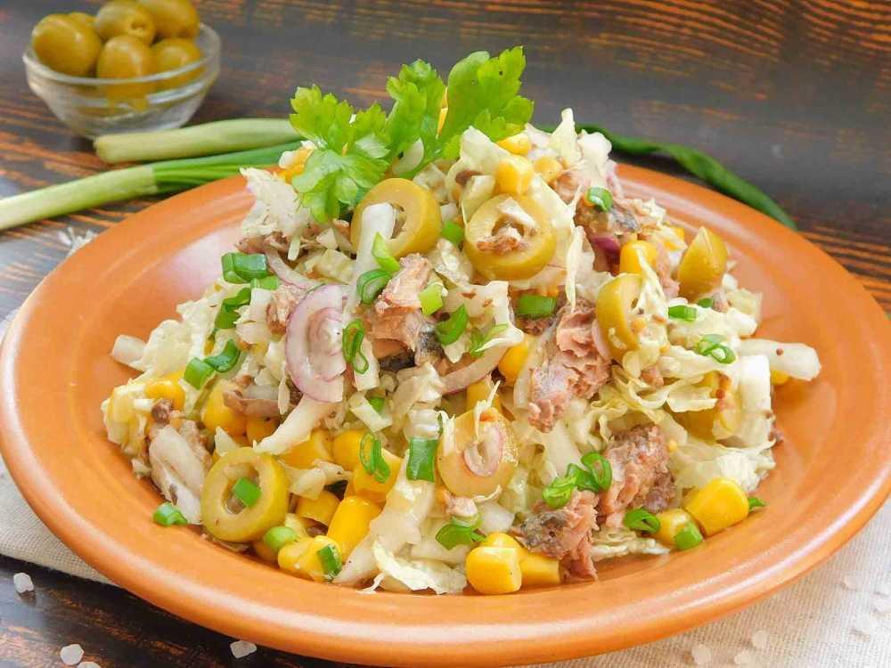 Салат с тунцом и пекинской капустой – 15 вариантов легкого ужина: рецепт с фото и видео
