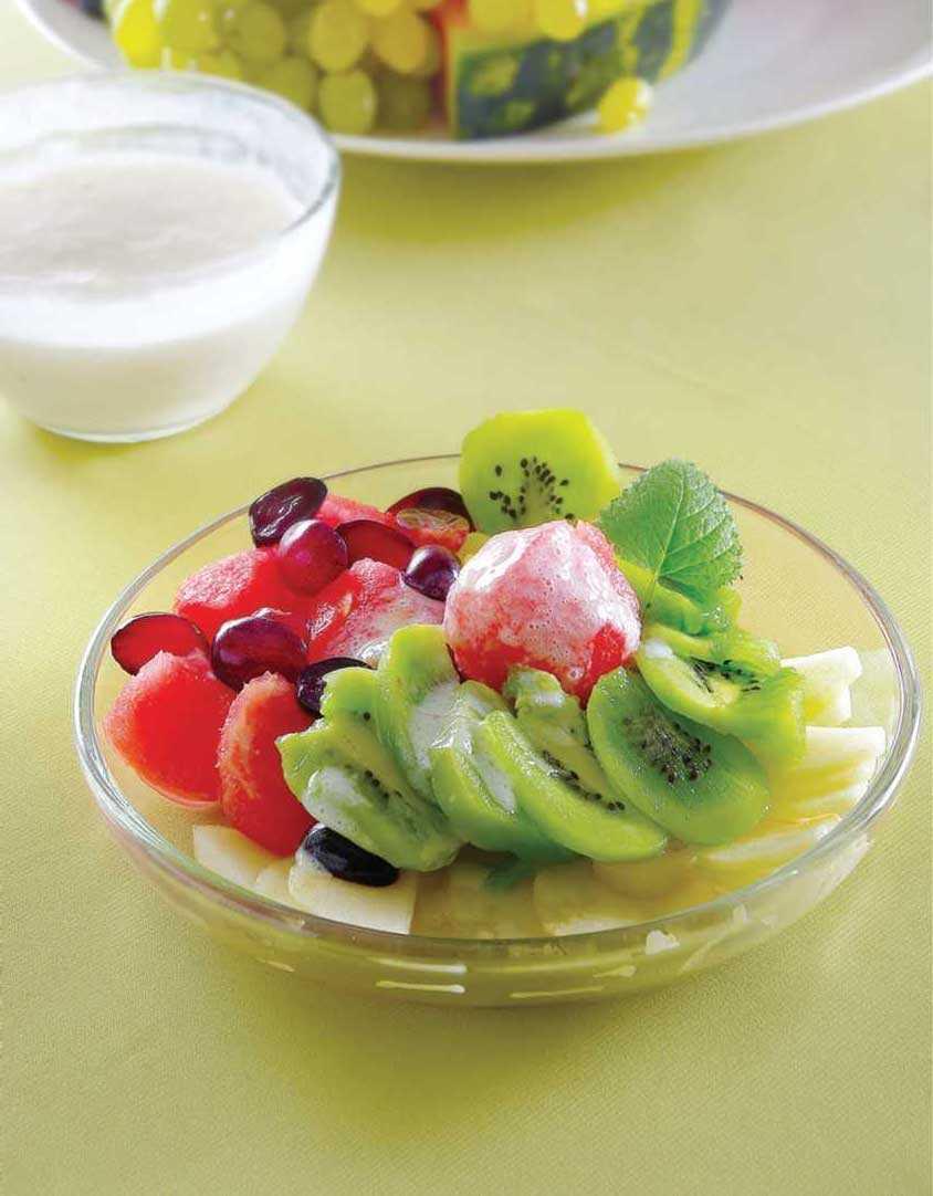 Фруктовый салат для детей: простые рецепты с фото
