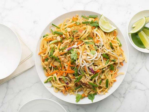 Салат из лапши быстрого приготовления – 6 простых и вкусных рецептов