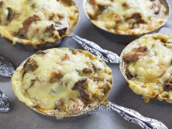 Картошка с опятами жареная на сковороде, в духовке, мультиварке. рецепт со сметаной, курицей, мясом, луком. фото пошагово