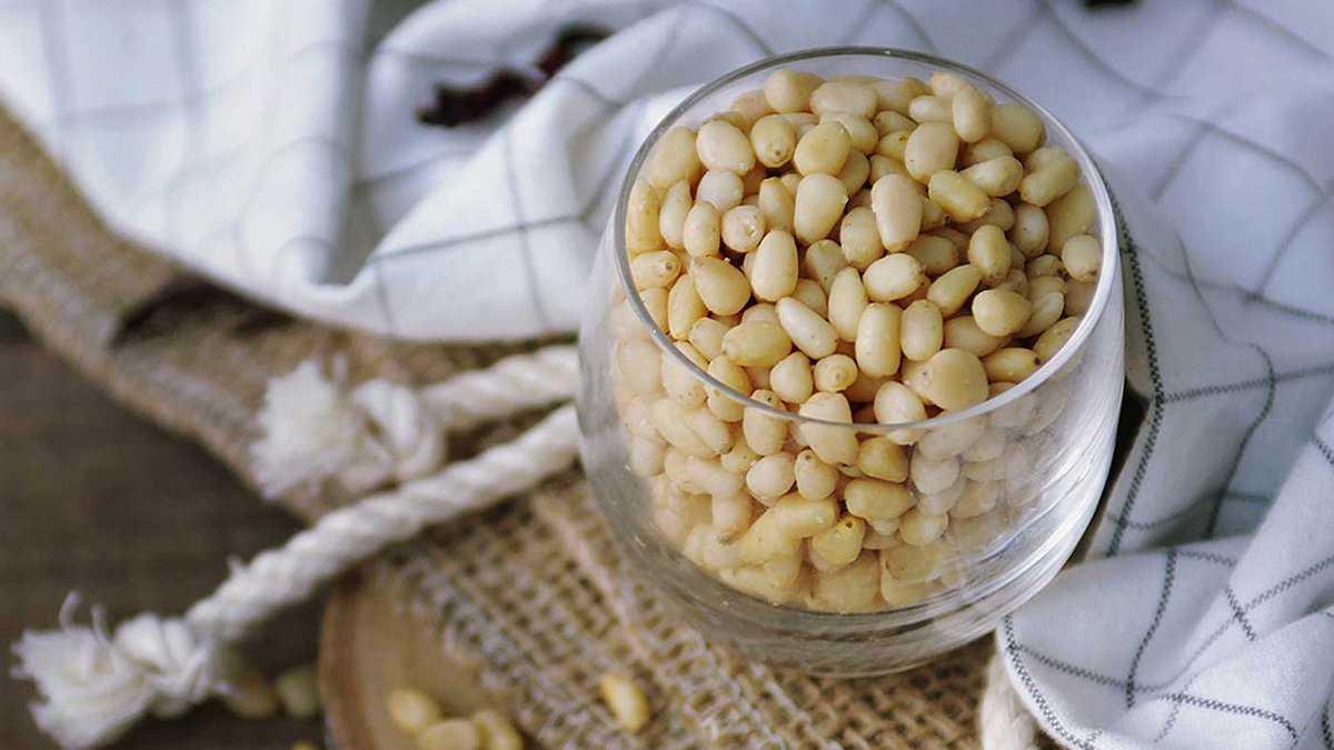 Вкусная настойка самогона на кедровых орешках: рецепт, который не оставит равнодушных
