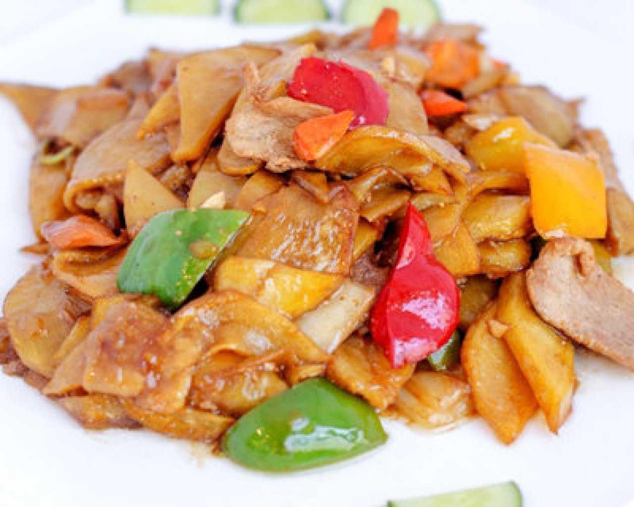 Маринованный папоротник: как собирать, как готовить. Пошаговые рецепты из маринованного папоротника на зиму и на каждый день: с мясом, овощами, соевым соусом и чесноком.