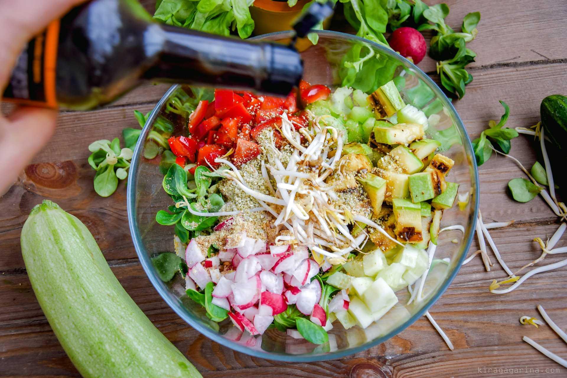 Салат с сельдереем - изысканное и одновременно простое блюдо: рецепт с фото и видео
