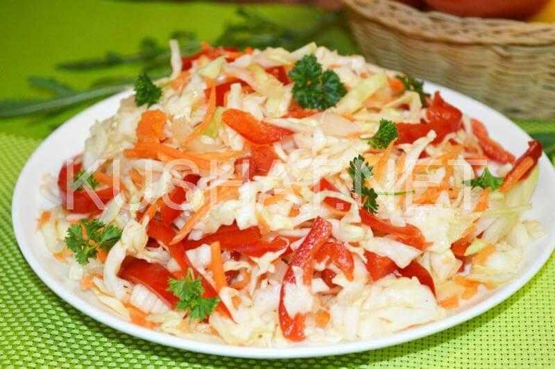 Капуста, маринованная с перцем и помидорами - 8 пошаговых фото в рецепте